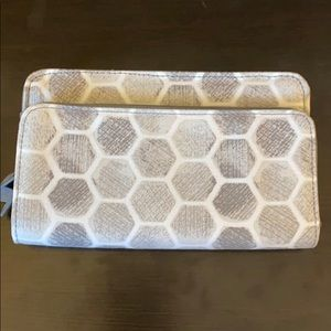 Thirty-one Perfect Cents Wallet in Stepping Stones